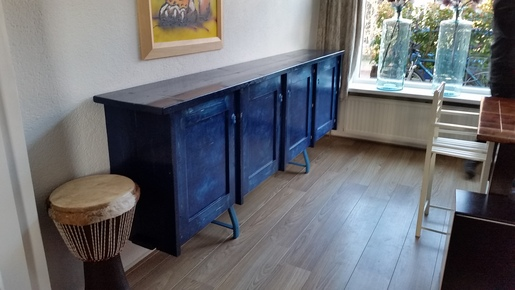 Edjo.nl | Blauwe kast